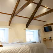 With high ceilings and comfortable bed - Best Bed & Breakfast for miles